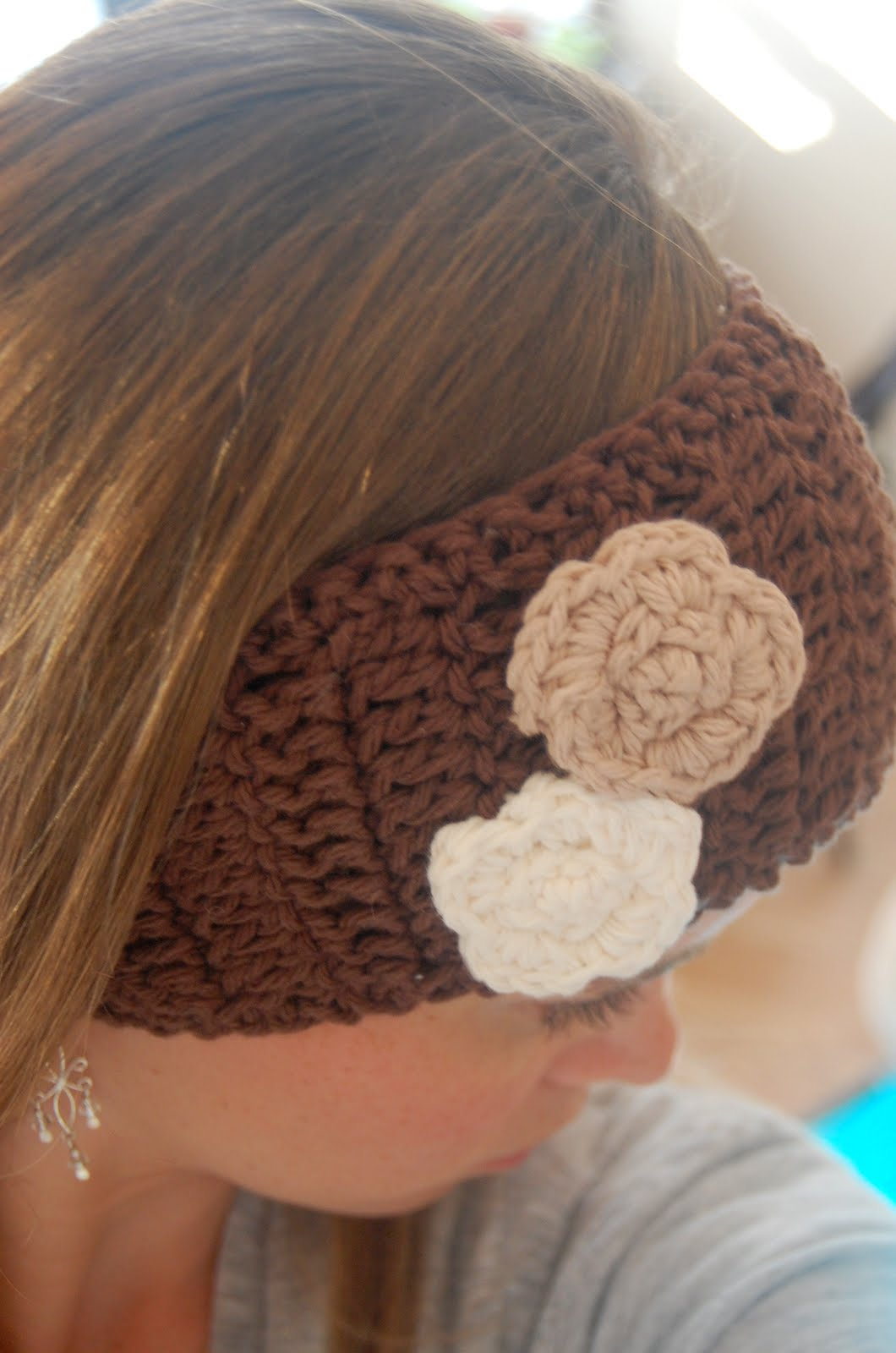 Crochet Pattern For Ear Warmer With Flower : 16 Crochet Ear Warmer Patterns Guide Patterns