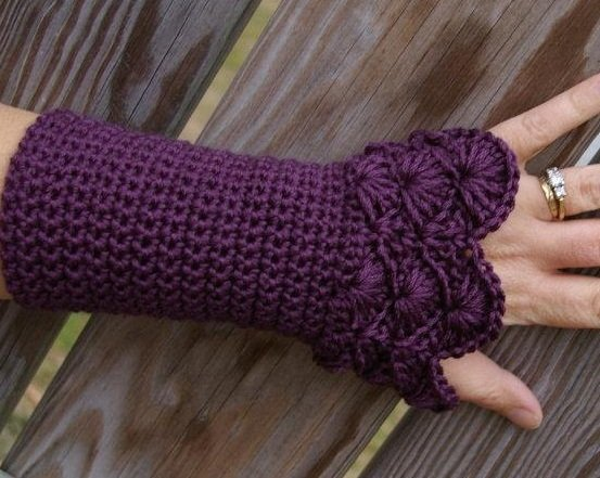 Crochet Fingerless Gloves Tutorials : 17 Fingerless Gloves Crochet Patterns Guide Patterns