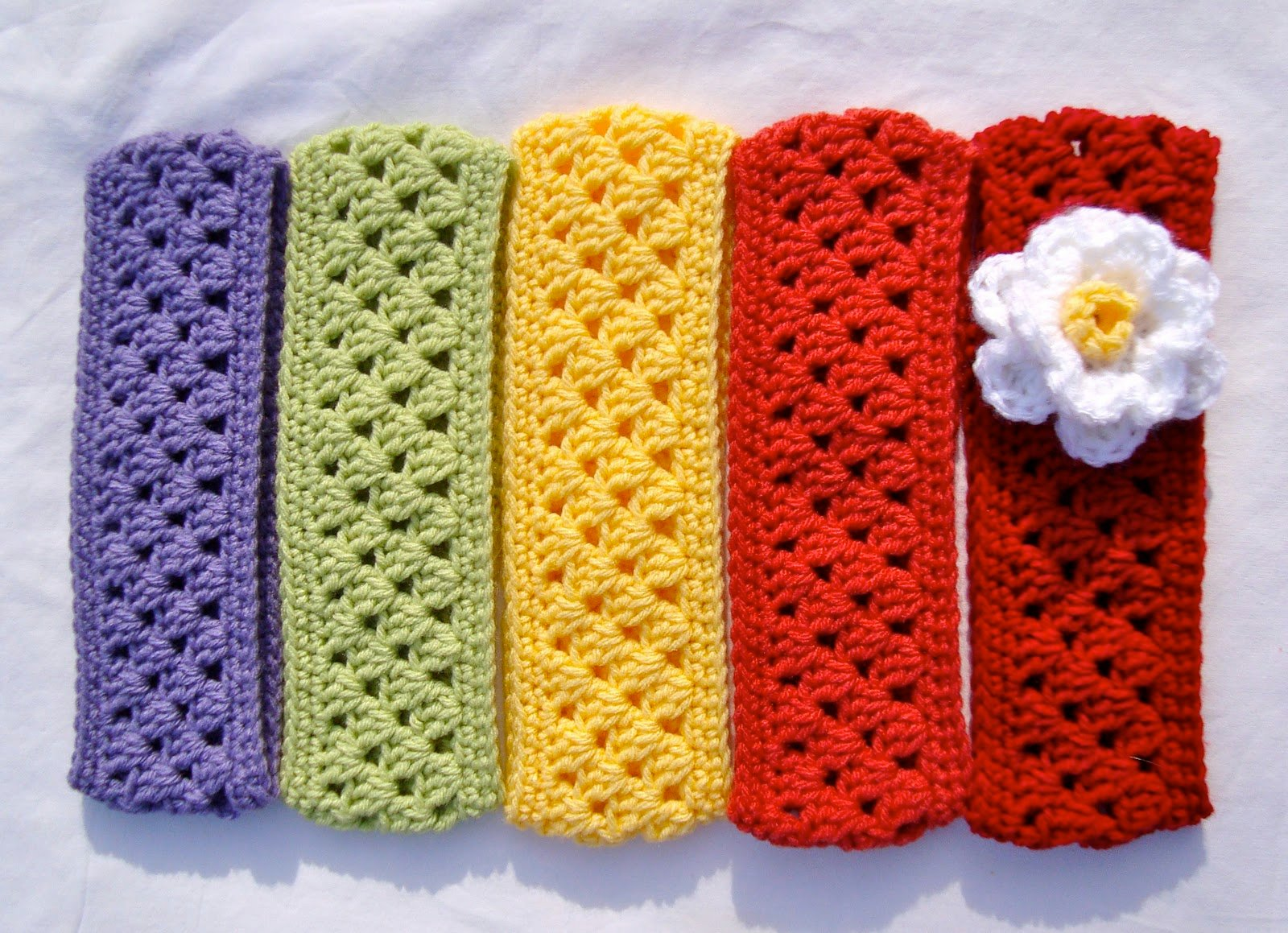 Crochet Flower Ear Warmer Tutorial : 16 Crochet Ear Warmer Patterns Guide Patterns