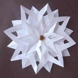 simple 3d paper snowflake pattern