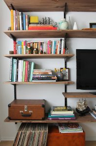 DIY Wall Bookshelf