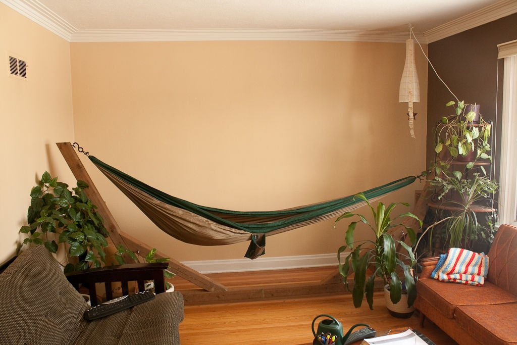 22 ways to relax at home indoor hammock bed little for Living room hammock