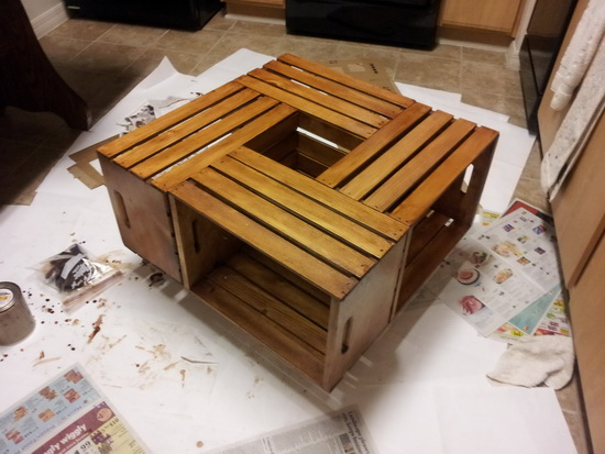 20 diy wooden crate coffee tables guide patterns - Fabriquer table basse originale ...