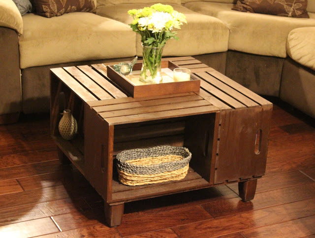 20 diy wooden crate coffee tables guide patterns for Design couchtisch diy