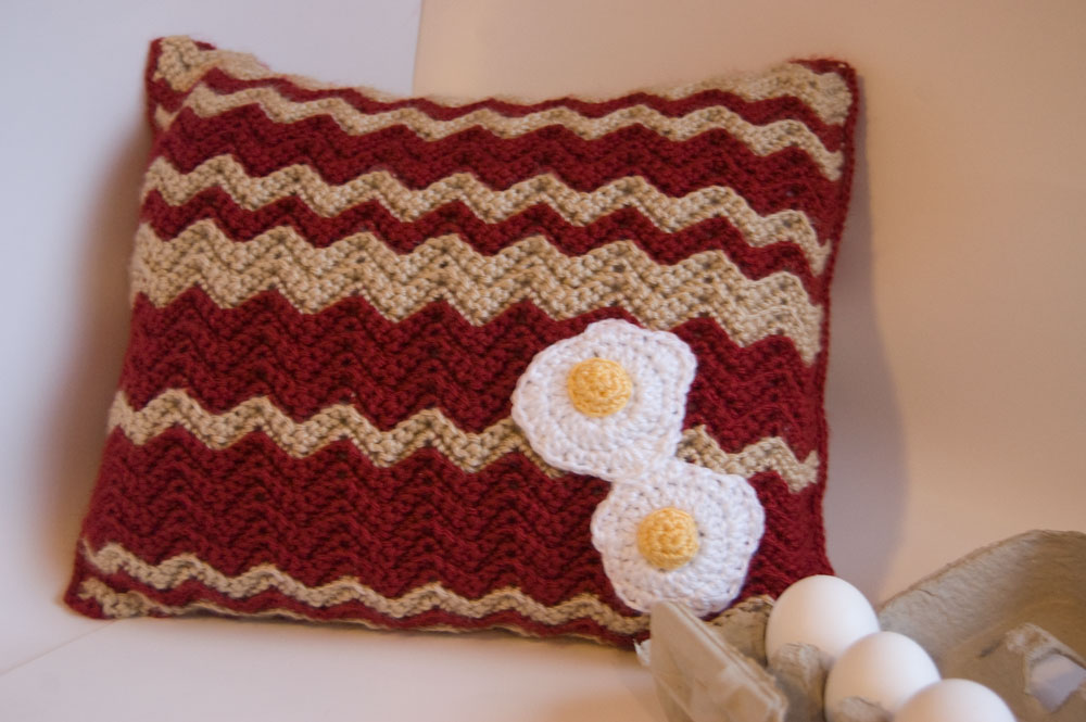 Crochet Pillow Patterns : 27 Easy Crochet Pillow Patterns Guide Patterns