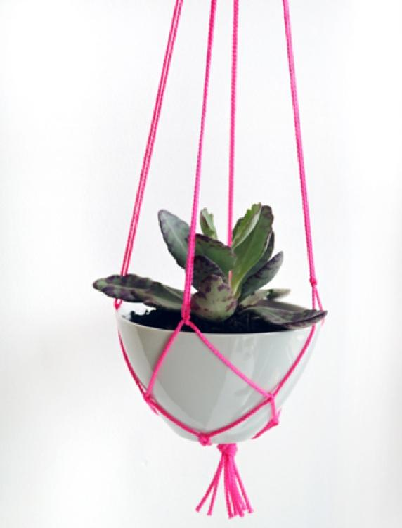 Simple Diy Macrame Necklace: 18 DIY Macramé Plant Hanger Patterns