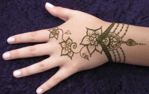 Simple Henna Design Idea for Kids