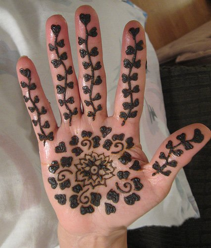 Mehndi Patterns On Paper For Kids : Simple mehndi designs for kids guide patterns