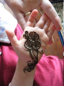 Mehndi Design for Kids to Do