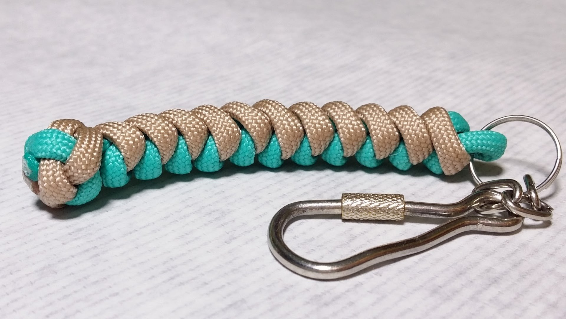20 DIY Paracord Keychains with Instructions | Guide Patterns