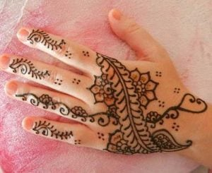 Simple Henna Design for Kids