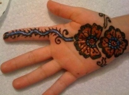 15 Simple Mehndi Designs for Kids | Guide Patterns