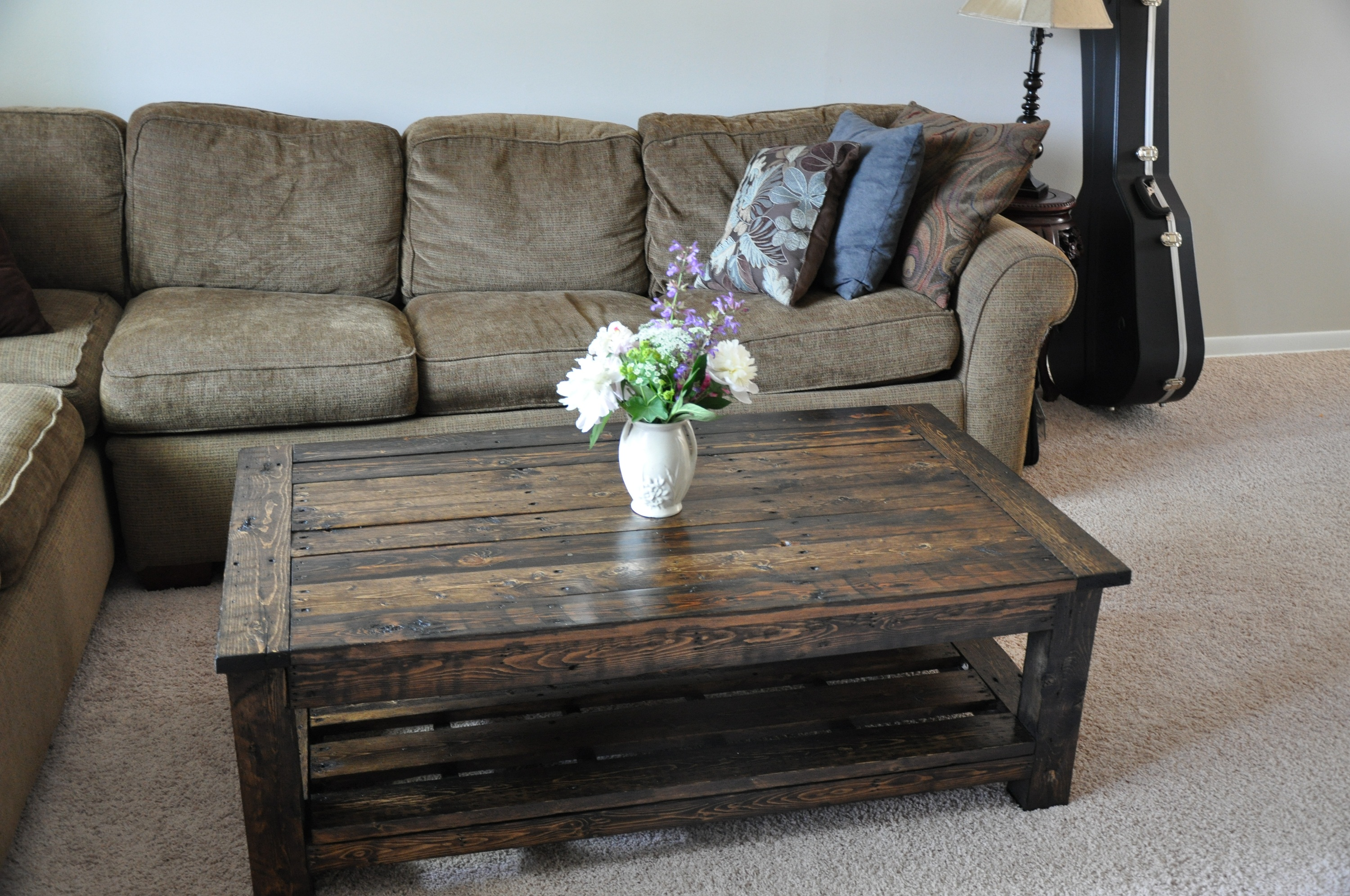 Pallet furniture coffee table -