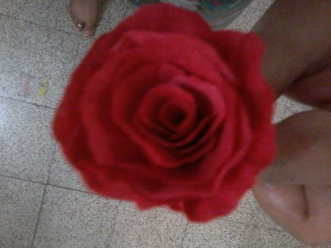 how to make a tissue paper rose