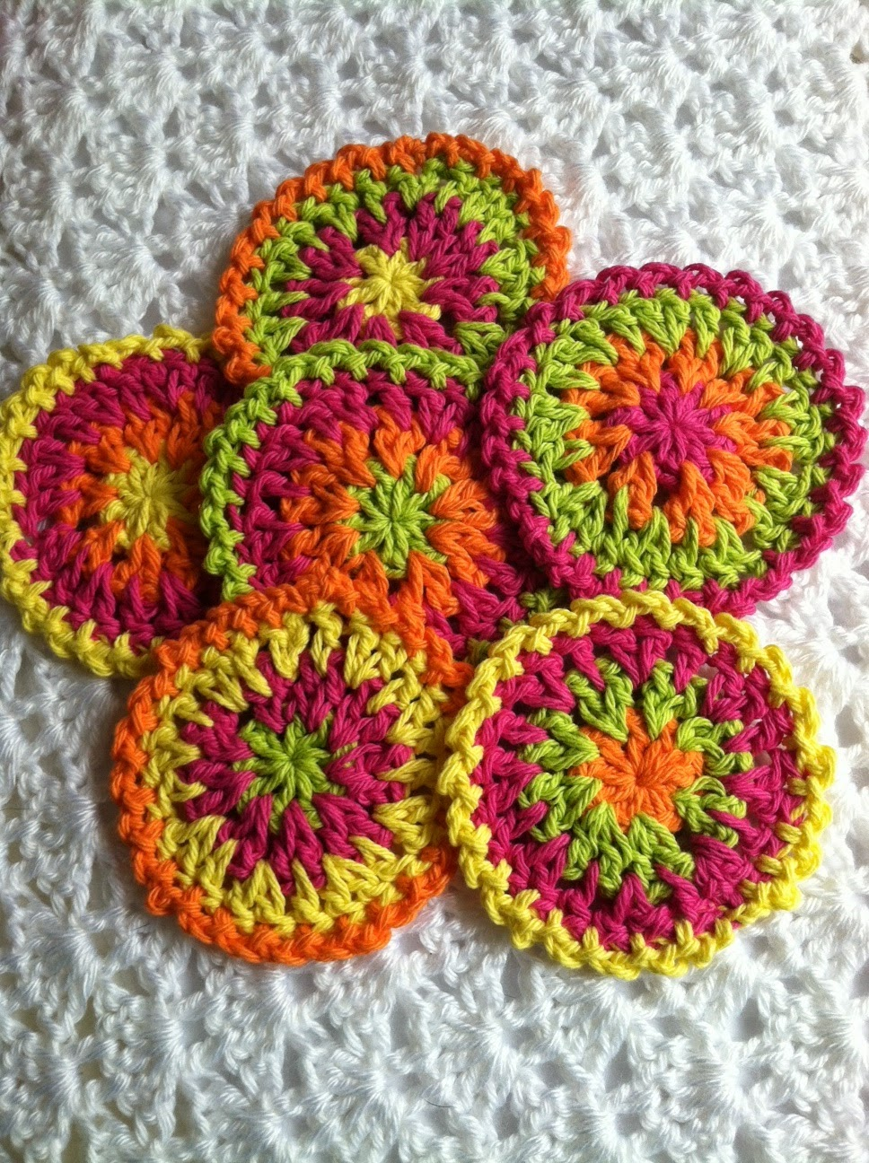 Crocheting Coasters : Crochet Coaster Pattern Free
