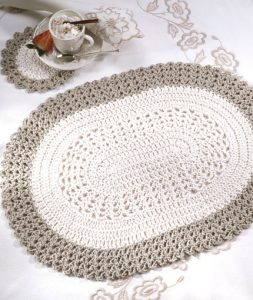 Crochet Placemat in Oval Pattern