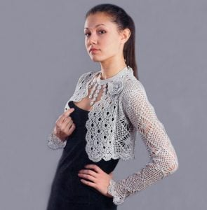 Crocheting Pattern of Shrug