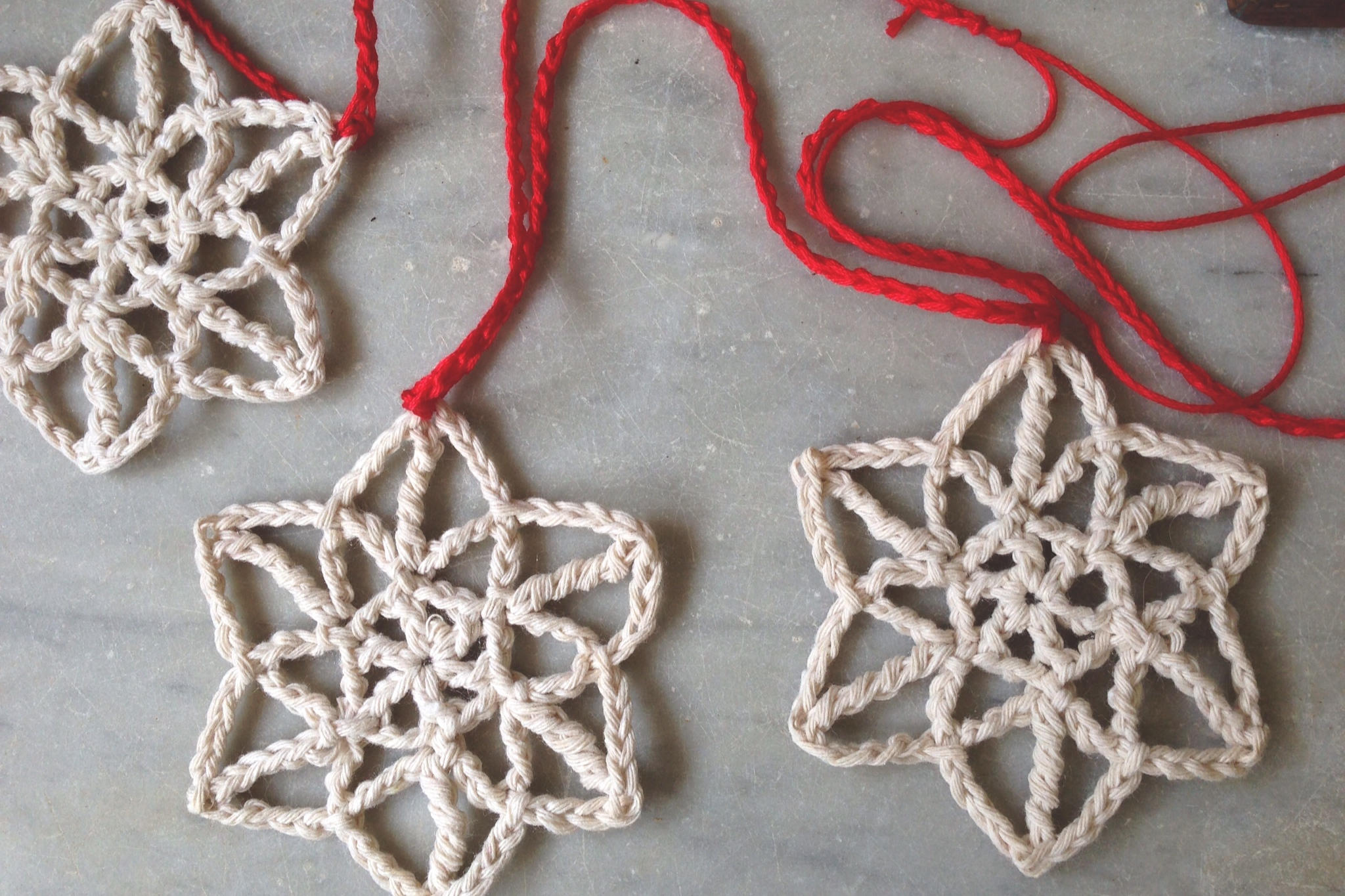 33 Crochet Snowflake Patterns Guide Coaster Diagrams A Few Pretty Snowflakes Garland