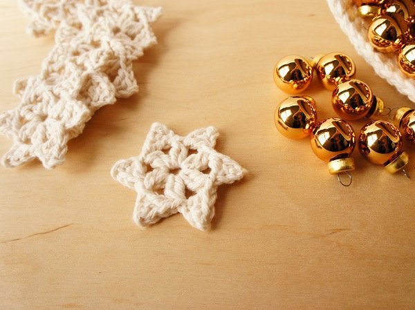 33 Crochet Snowflake Patterns | Guide Patterns