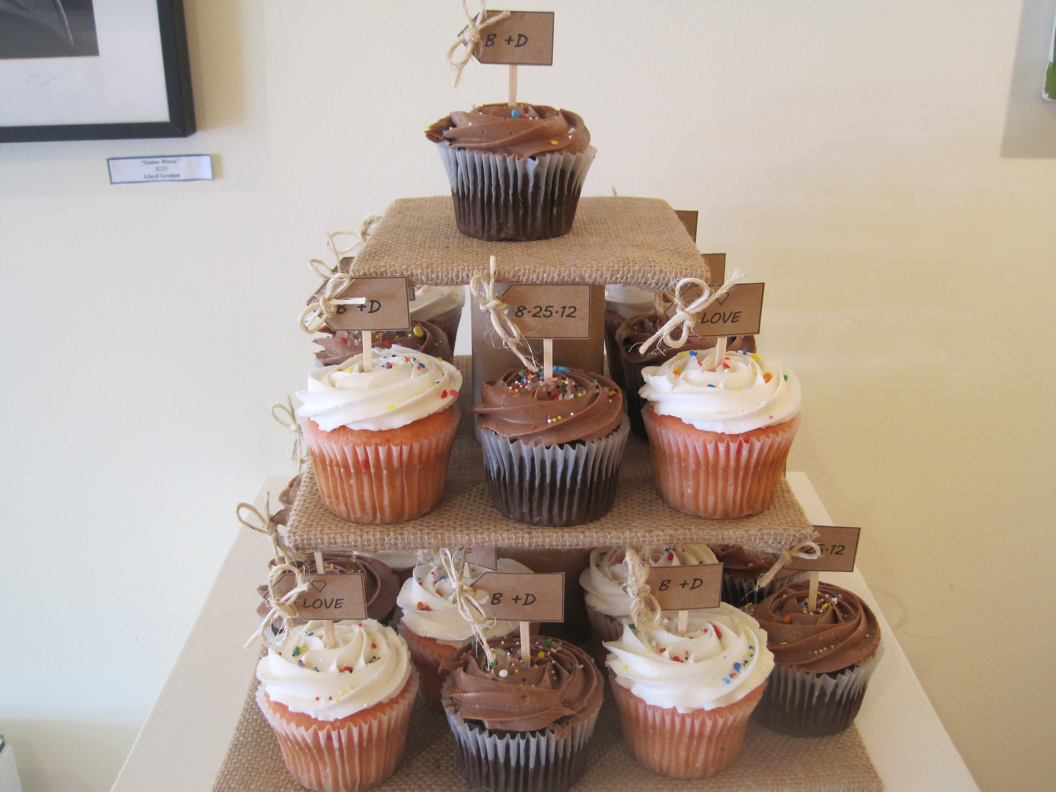 25 DIY Cupcake Stands with Instructions