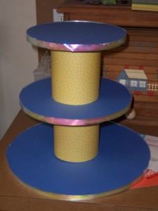 cardboard wedding cake stand 25 diy cupcake stands with guide patterns 12385
