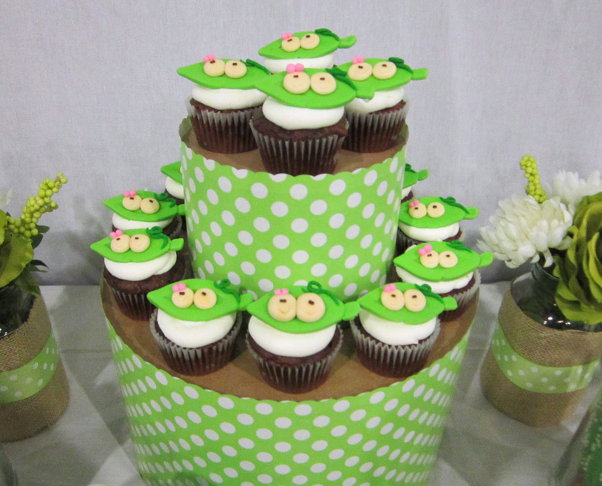 25 DIY Cupcake Stands with Instructions | Guide Patterns