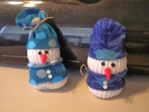 DIY No-Sew Snowmen Sock