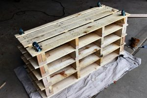 DIY Pallet Storage Bench