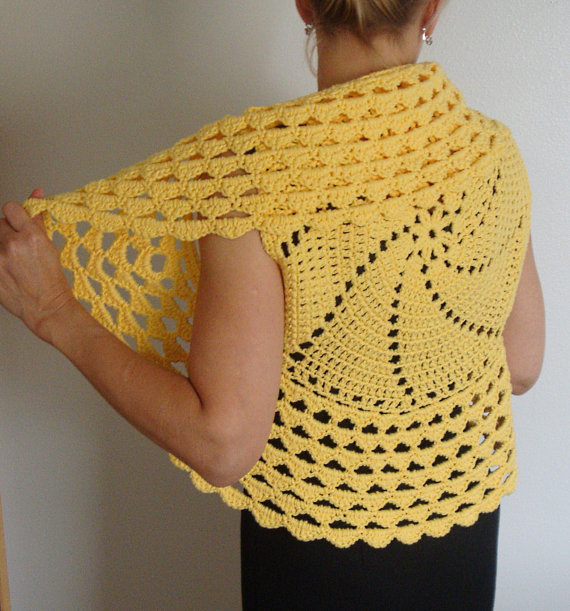 Crochet Shrug Pattern : Easy Crochet Shrug Pattern