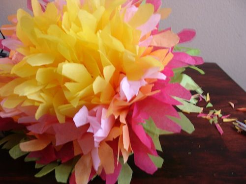 10 ways to make giant tissue paper flowers guide patterns giant tissue paper flower giant tissue paper flower how to make flowers out mightylinksfo