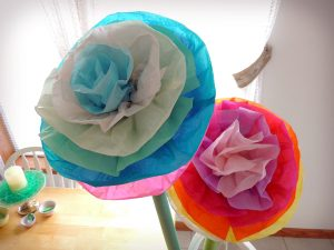 Giant Tissue Paper Flowers DIY