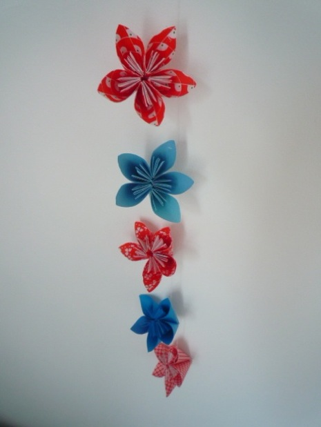 37 diy paper garland ideas guide patterns paper flower garland tutorial mightylinksfo
