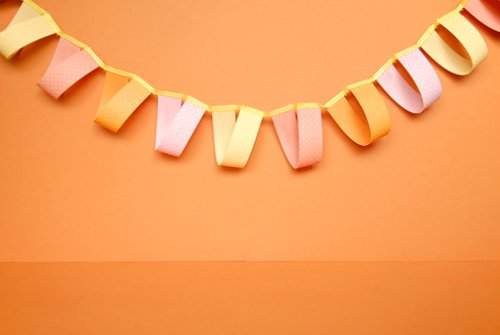 paper garlands Snazz up your wedding photos with this paper heart garland as a backdrop or use it to add some charm to your valentine's day decor it's super easy either way.