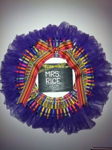 Crayon Wreath Instructions