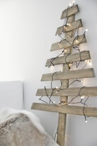 Wall Wooden Christmas Tree