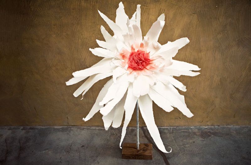 20 diy crepe paper flowers with tutorials guide patterns giant crepe paper flowers mightylinksfo