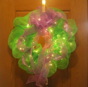 How to Make Door Wreath with Mesh Ribbon