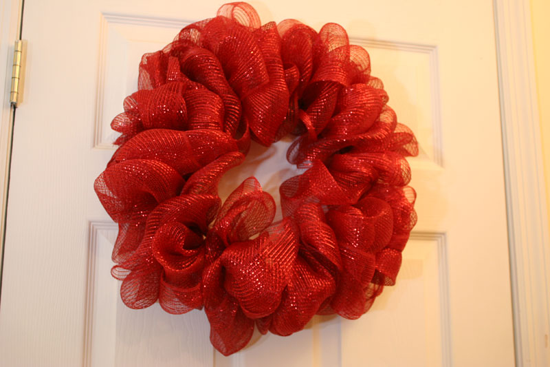 How to make a mesh wreath 30 diys with instructions Making wreaths