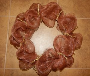 How to Make a Mesh Wreath Step By Step