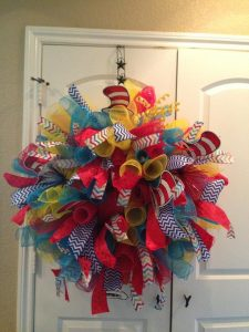 How to Make a Wreath out of Mesh Ribbon