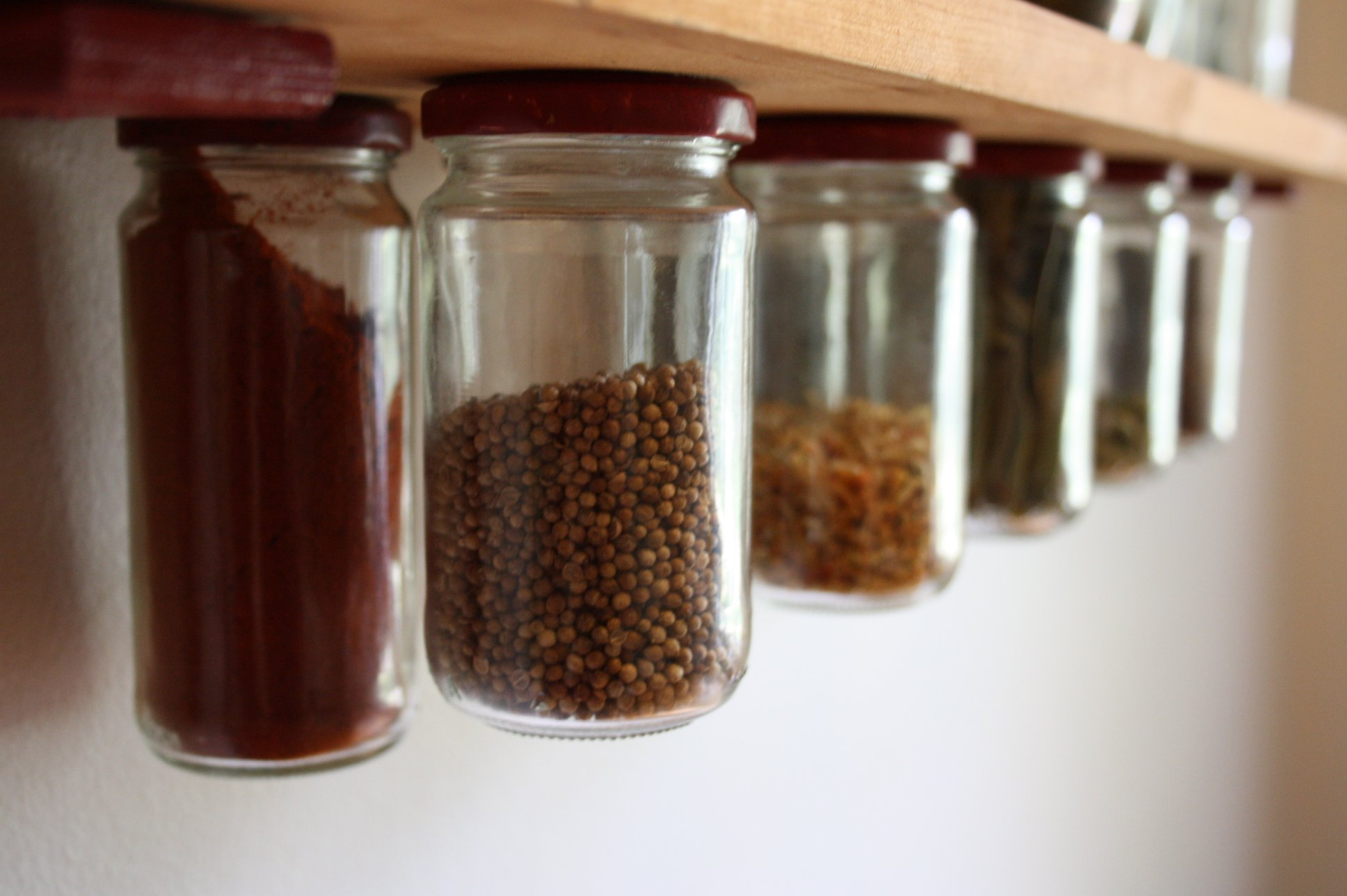 DIY Spice Rack: Instructions and Ideas