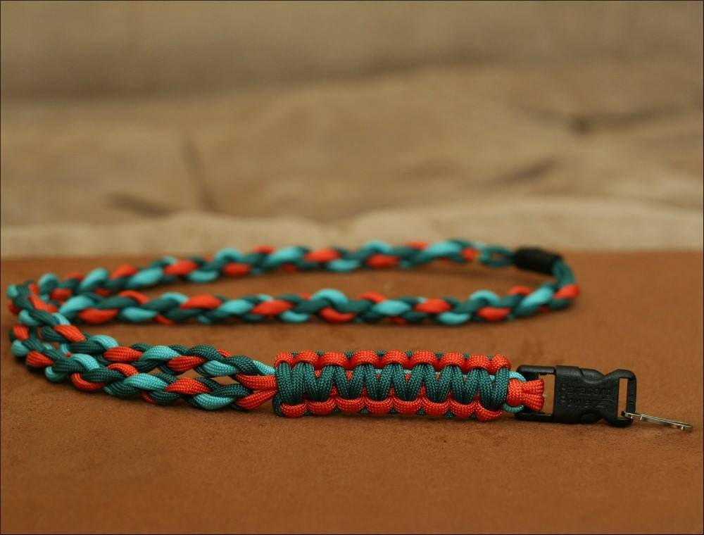 17 DIY Paracord Lanyard Patterns  e89d0d53a