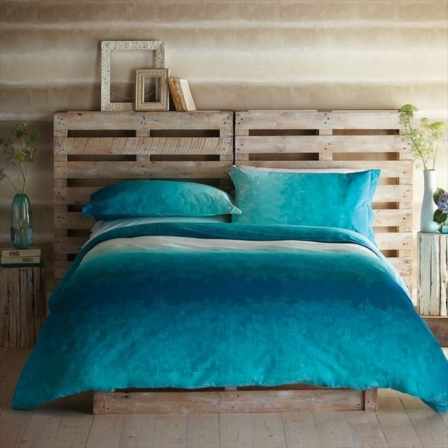 27 diy pallet headboard ideas guide patterns. Black Bedroom Furniture Sets. Home Design Ideas
