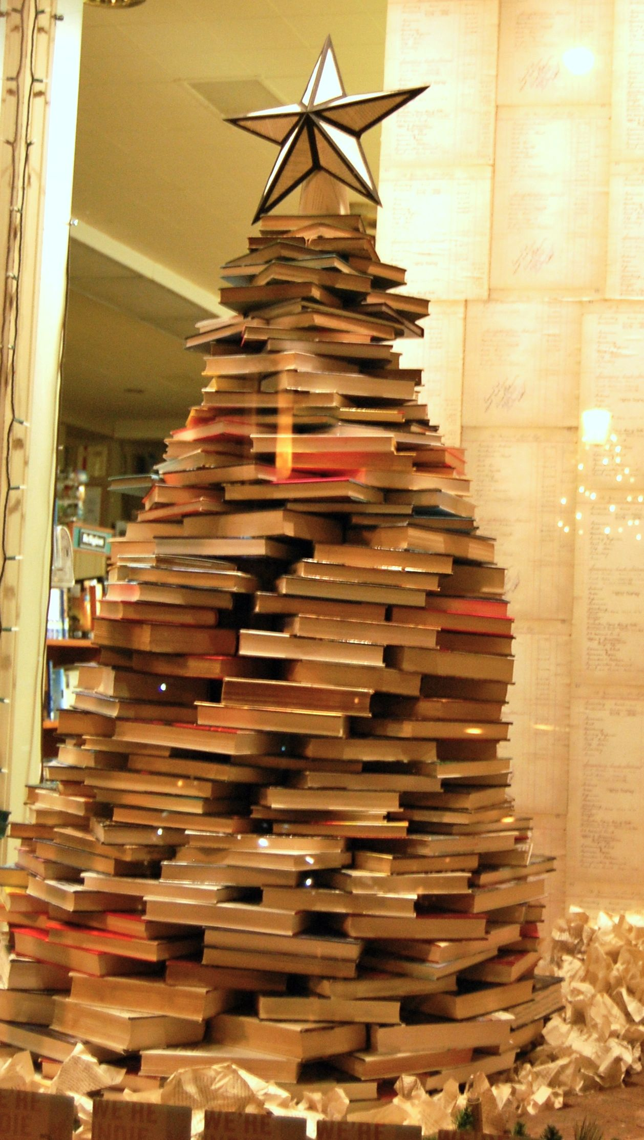 book christmas tree diy