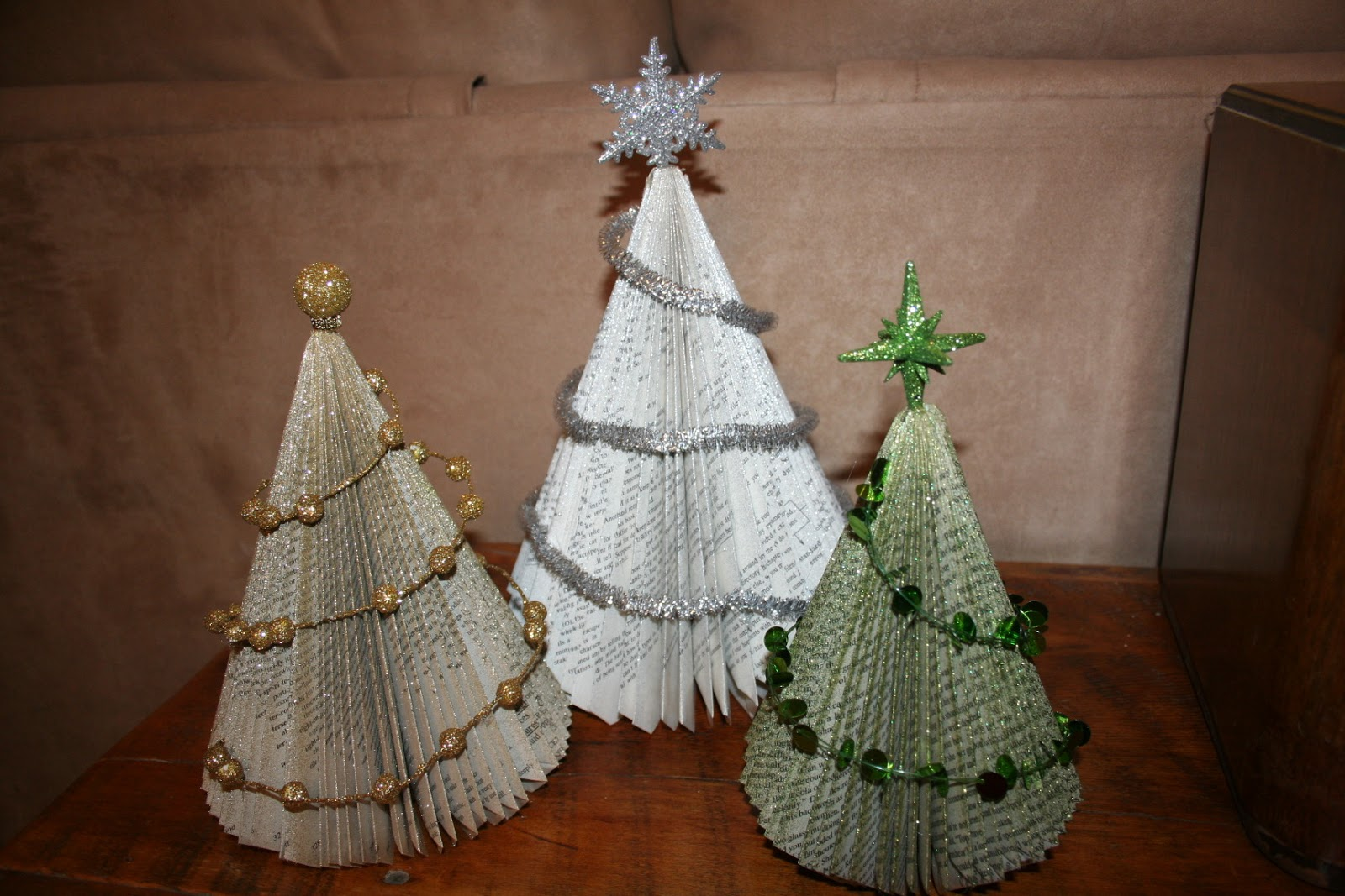 17 DIY Instructions and Ideas to Make a Christmas Tree ...