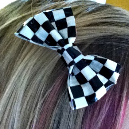 how to make a duct tape bow for a present
