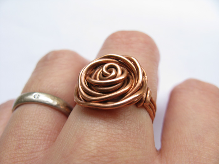 22 Patterns for Wire Wrapped Rings with DIY Tutorials | Guide Patterns
