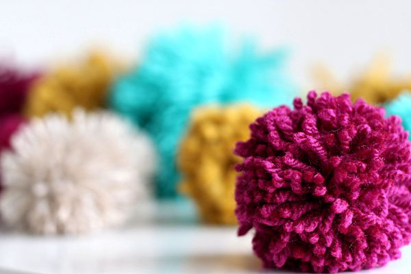 how to make yarn pom poms 23 diys guide patterns