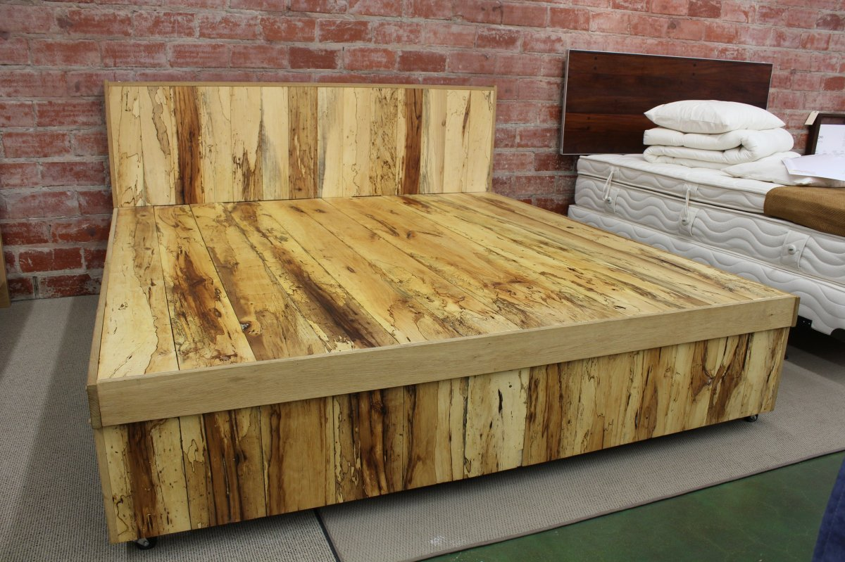 Diy king bed frame plans - Rustic Wooden Bed Frame