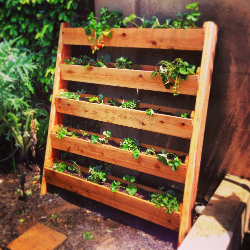 25 Easy DIY Plans and Ideas for Making a Wood Pallet Planter | Guide ...